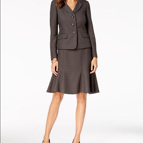Le Suit Dresses & Skirts - LeSuit Petite Brown Suit